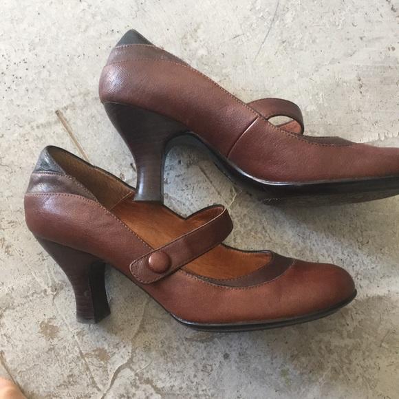 Sofft Miranda Leather Mary Jane Buckle Strap Pumps ke2j4H